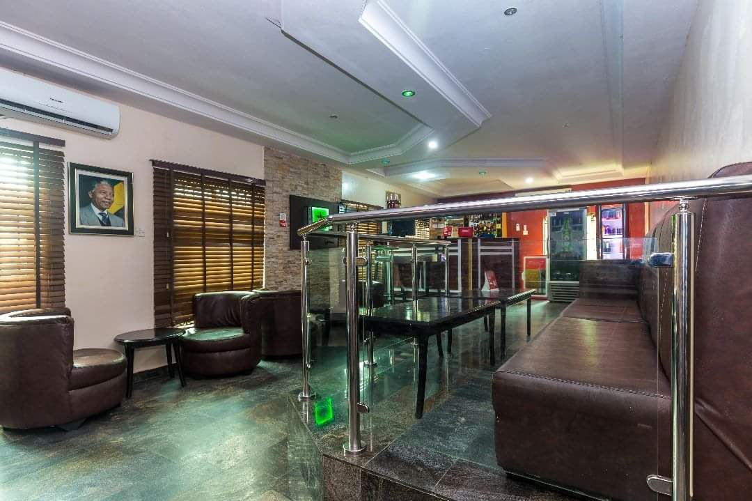 Royal Terrace Hotel VIP Bar