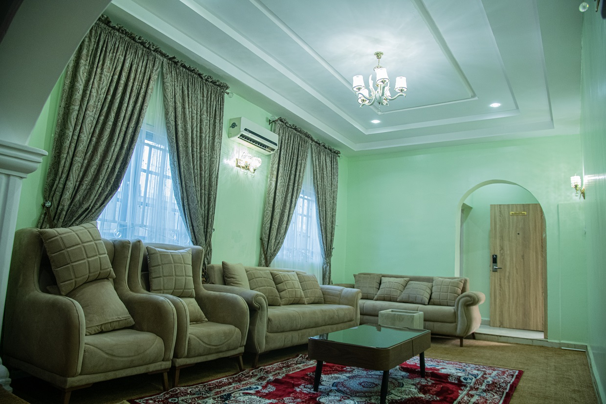 Admirable Suites Yola